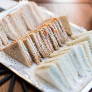 08_bandeja-desandwiches