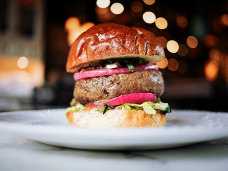 Una hamburguesa para la recena de tu boda